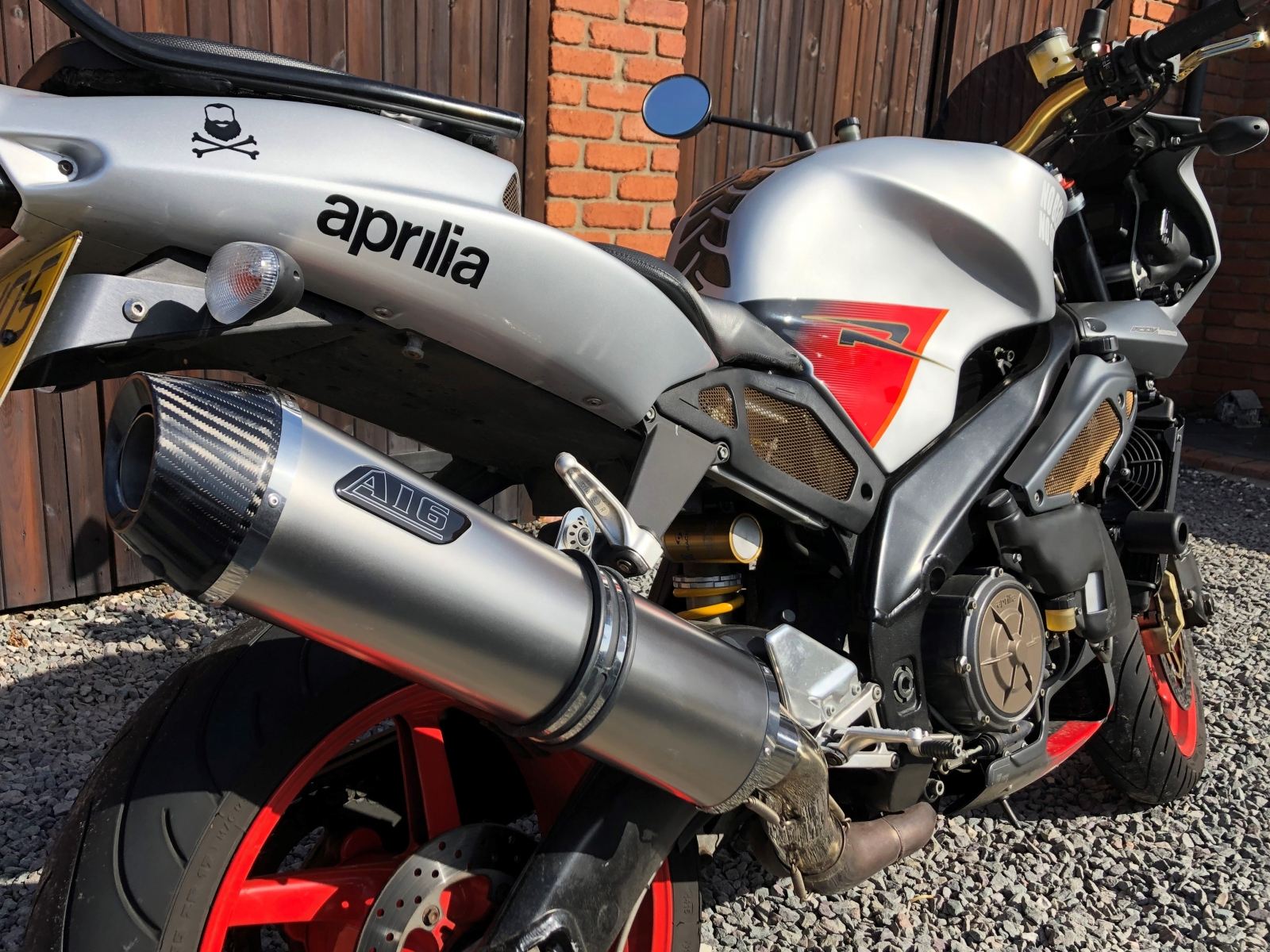 """Aprilia Tuono 1998-2004 <p>A16 Road Legal or Race Stainless Exhaust with Carbon Outlet</p><br/><br/><a href=""""https://a16roadnracesupplies.co.uk/product/a16-aprilia-exhausts/"""">Buy now!</a>"""