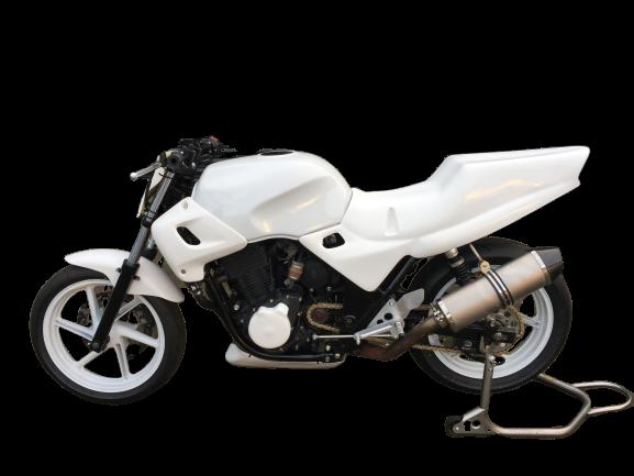 "Honda CB500 <p> A16 Plain Titanium Race Exhaust with Carbon Outlet</p><br /><br /><a href=""https://a16roadnracesupplies.co.uk/product/a16-honda-exhausts/"">Buy now!</a>"