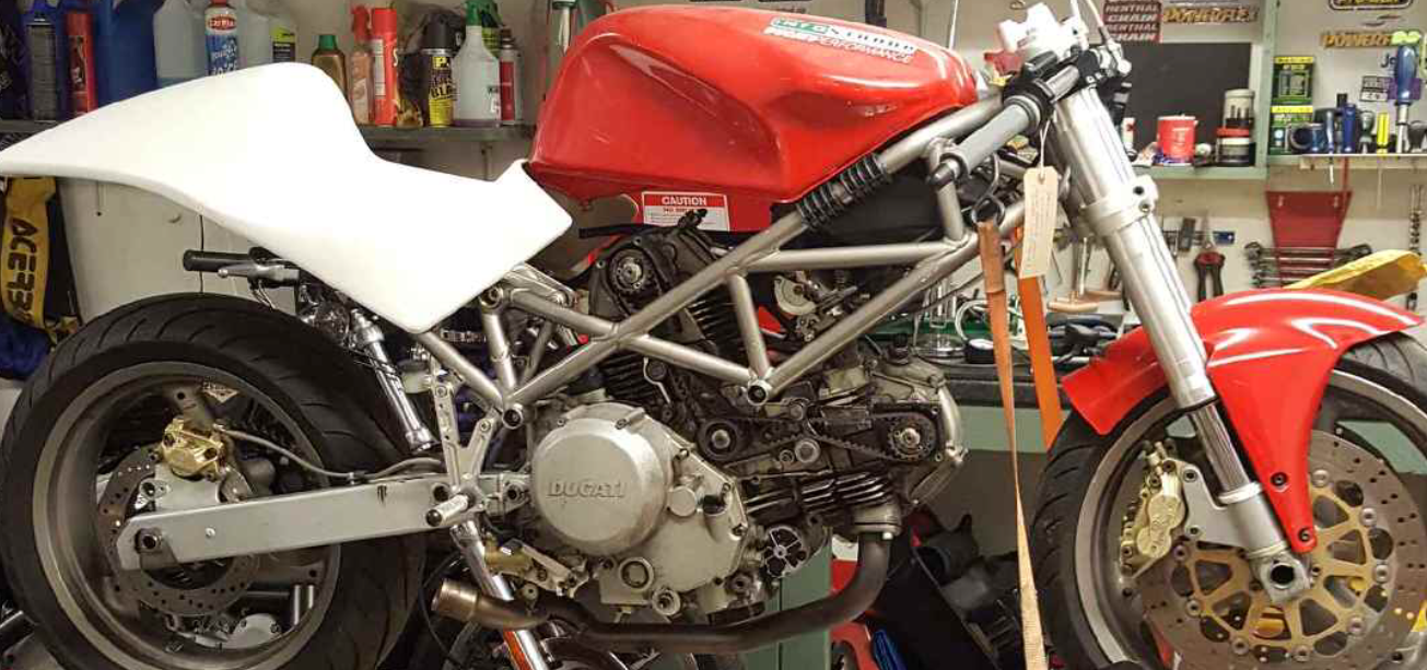 Ducati 620 750 2001-2006<p>A16 Race Seat with Sub-Frame Support Box</p>