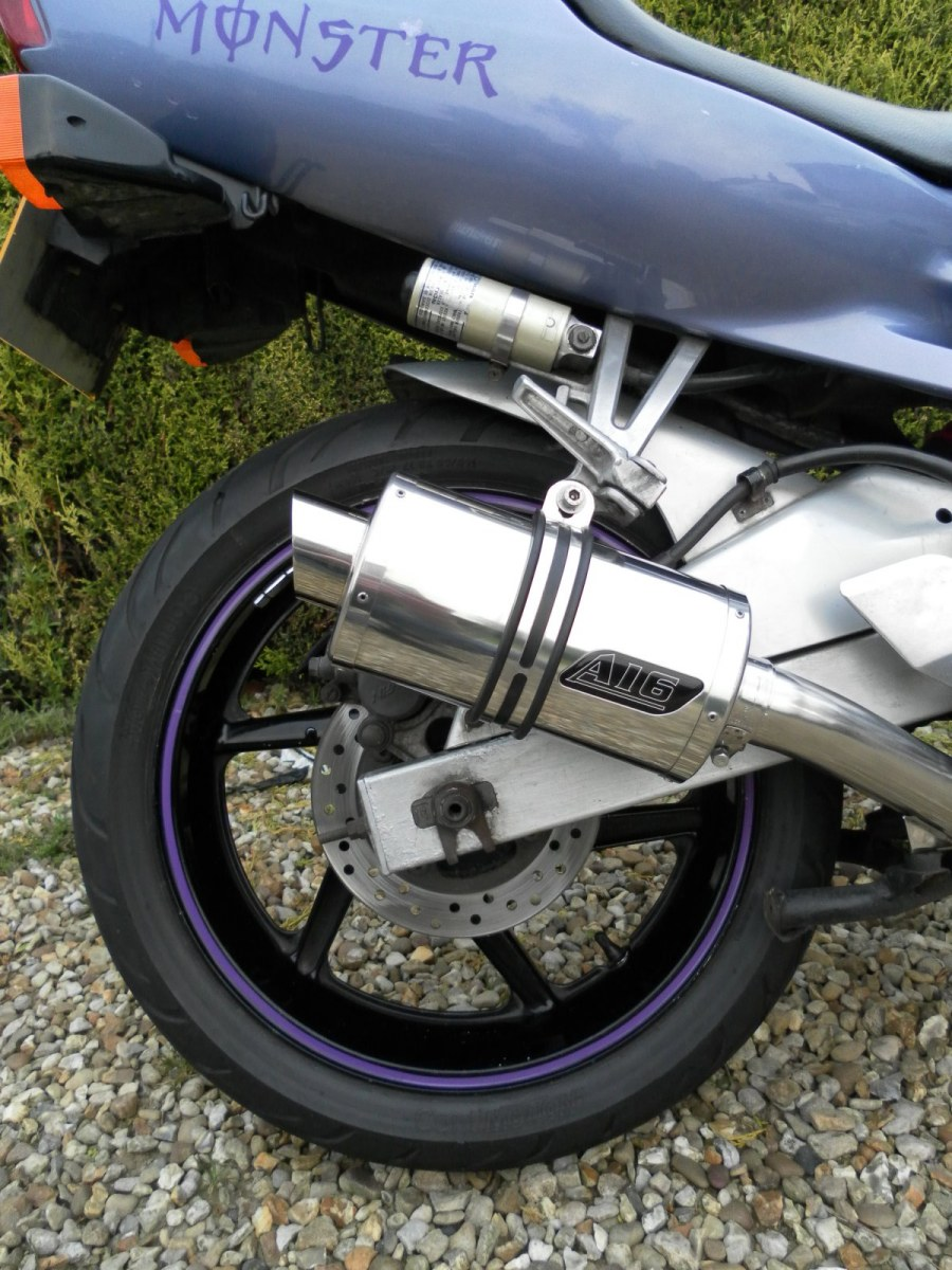 "Honda CBR600 F2 F3 FM-FW Steel Frame 1991-1998<p>A16 Stubby Stainless Exhaust with Slashcut Outlet</p><br/><br/><a href=""https://a16roadnracesupplies.co.uk/product/a16-honda-exhausts/"">Buy now!</a>"