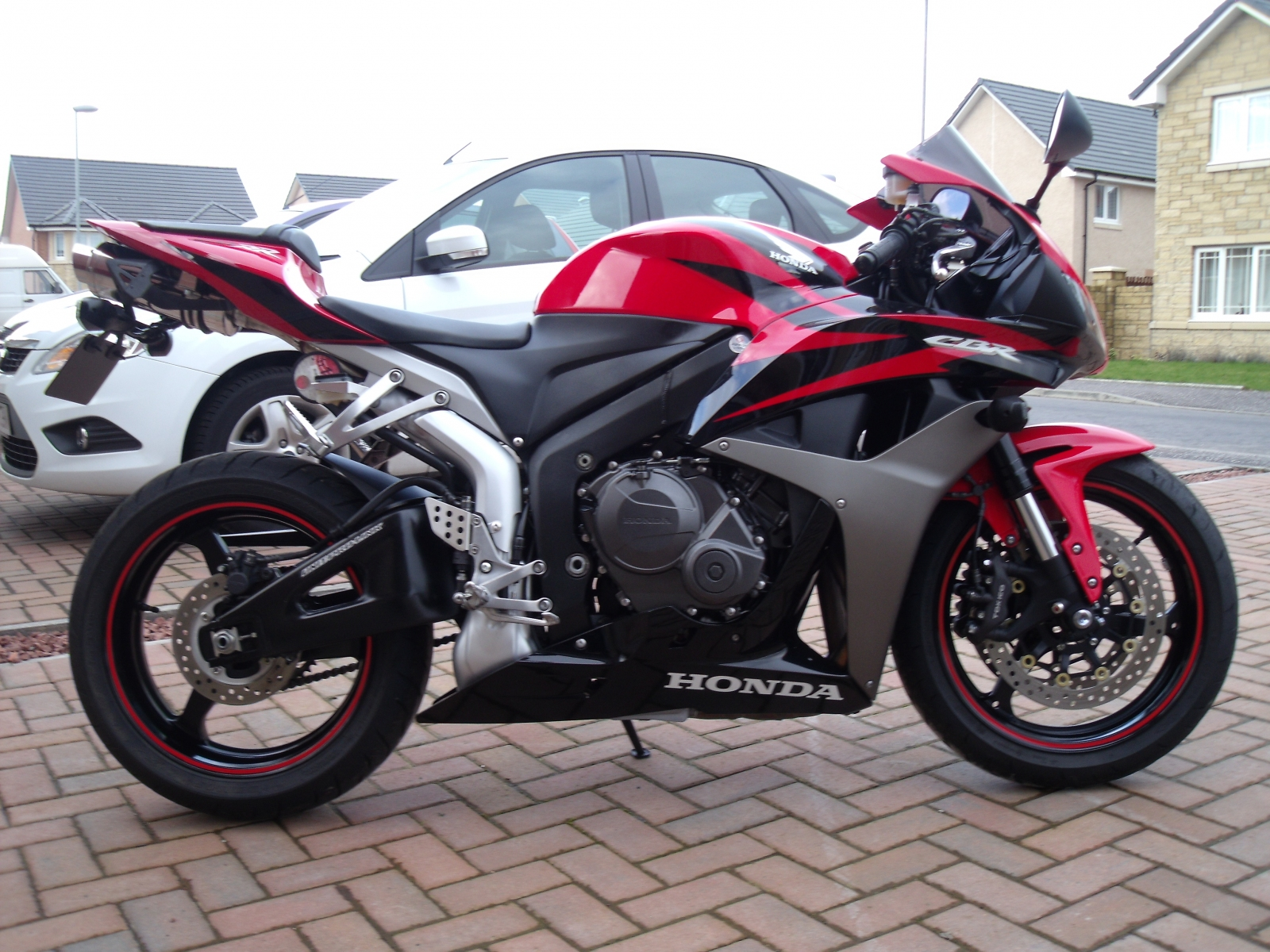 """Honda CBR600RR 2007-2008<p>A16 Road Legal Stainless Exhaust with Polished Slashcut Outlet</p><br/><br/><a href=""""https://a16roadnracesupplies.co.uk/product/a16-honda-exhausts/"""">Buy now!</a>"""