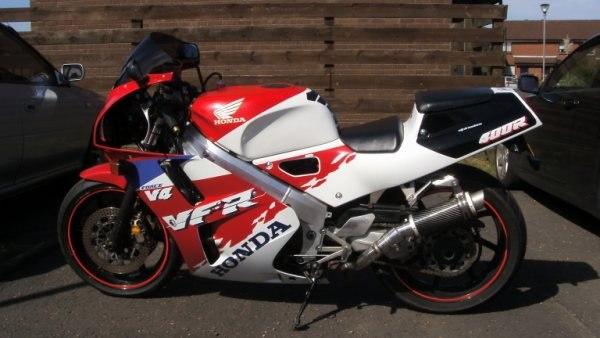 "Honda NC30 VFR400 1989-1993<p>A16 Moto GP Carbon Exhaust with Titanium Type Slashcut Outlet</p><br/><br/><a href=""https://a16roadnracesupplies.co.uk/product/a16-honda-exhausts/"">Buy now!</a>"