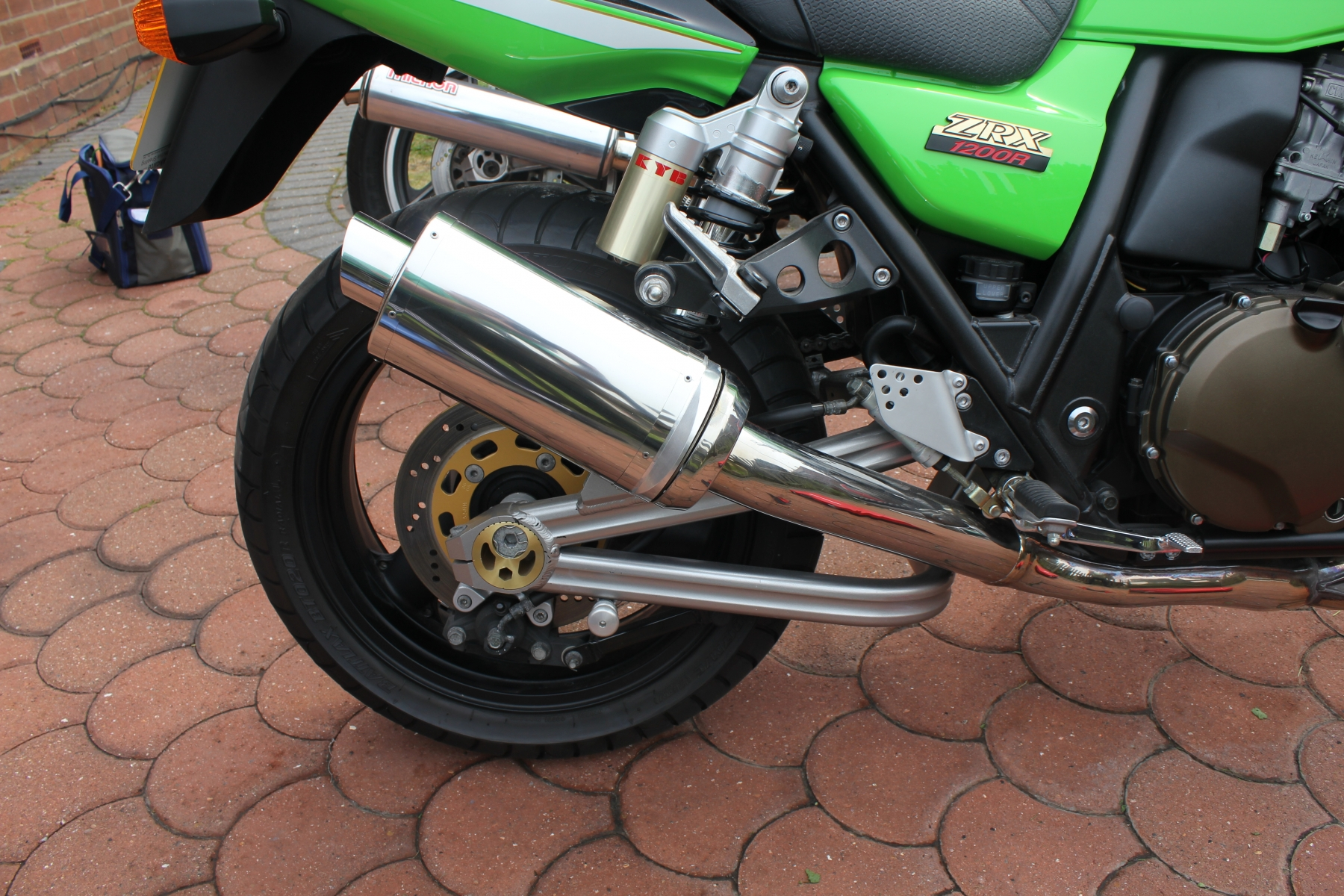 """Kawasaki ZRX1200 2001-2007<p>A16 Stubby Stainless Exhaust with Polished Slashcut Outlet</p><br><a href=""""https://a16roadnracesupplies.co.uk/product/a16-kawasaki-exhausts/"""">Click here to Spec your A16 Kawasaki Exhaust now!</a>"""