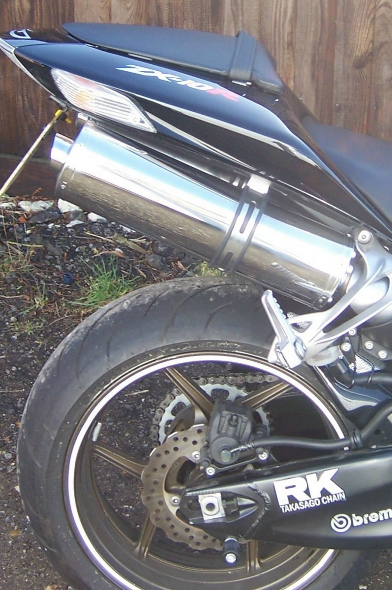 """Kawasaki ZX10R 2006-2007<p>A16 Road Legal Stainless Exhausts with Bespoke Customer Specific Slashcut Outlets</p><br><a href=""""https://a16roadnracesupplies.co.uk/product/a16-kawasaki-exhausts/"""">Click here to Spec your A16 Kawasaki Exhaust now!</a>"""