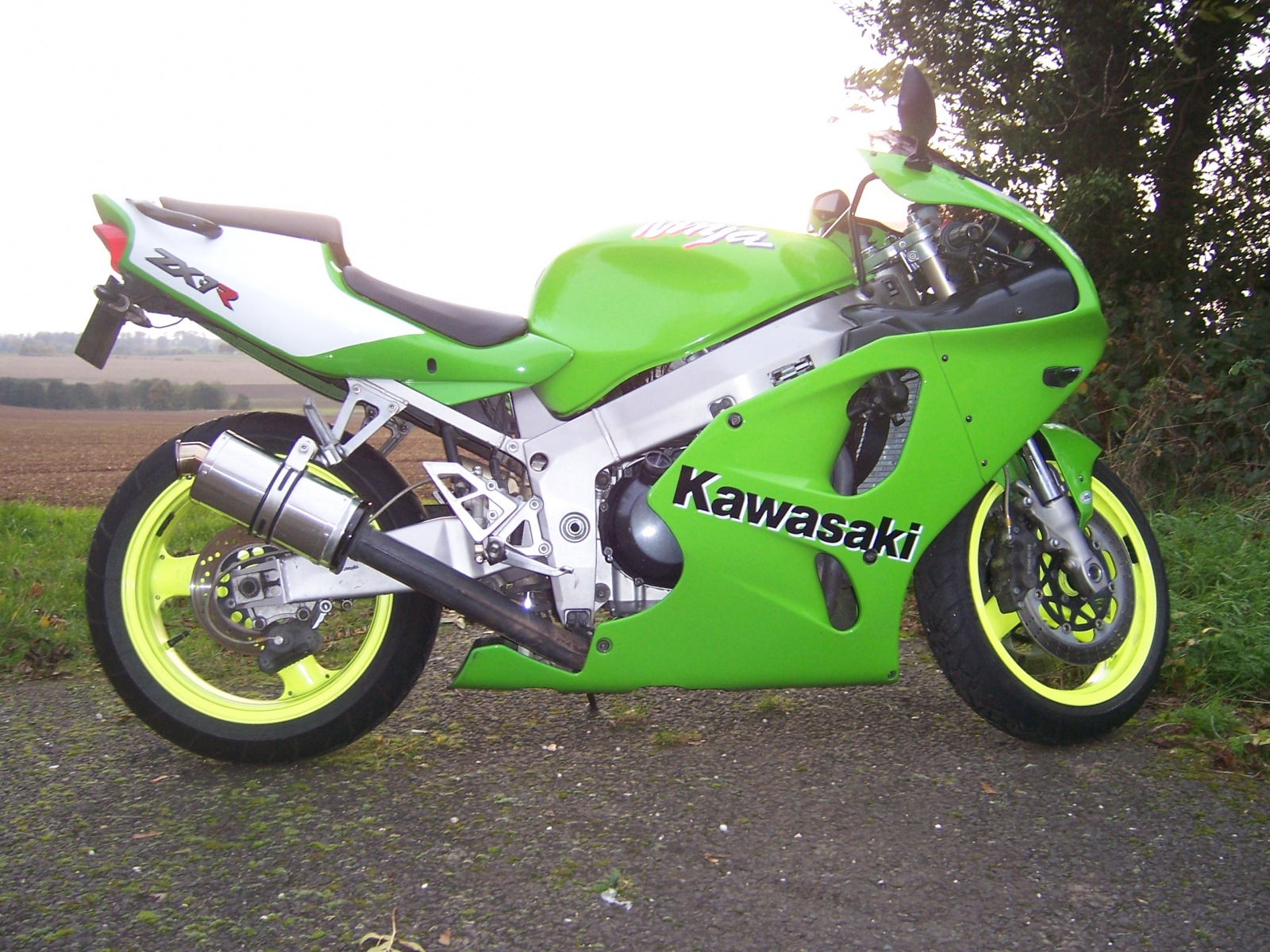 """Kawasaki ZX7R 1996-2003 <p>A16 Stubby Stainless Exhaust with Polished Traditional Spout</p><br><a href=""""https://a16roadnracesupplies.co.uk/product/a16-kawasaki-exhausts/"""">Click here to Spec your A16 Kawasaki Exhaust now!</a>"""