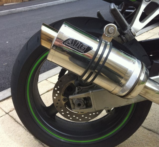 """Kawasaki ZX9R 1998 onwards<p>A16 Stubby Stainless Exhaust with Polished Slashcut Outlet</p><br><a href=""""https://a16roadnracesupplies.co.uk/product/a16-kawasaki-exhausts/"""">Click here to Spec your A16 Kawasaki Exhaust now!</a>"""