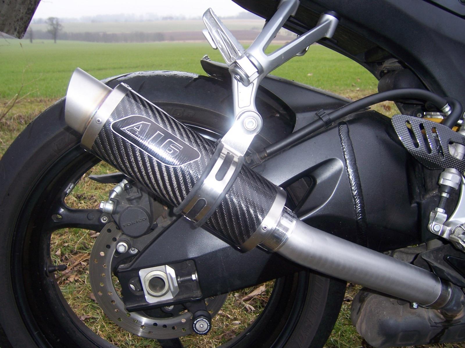 "Suzuki GSXR 1000 K7-K8 2007-2008<p>A16 Moto GP Carbon Exhaust with Titanium Type Slashcut Outlet.  Big Bore Link Pipe.</p><br><a href=""https://a16roadnracesupplies.co.uk/product/a16-suzuki-exhausts/"">Buy now!</a>"