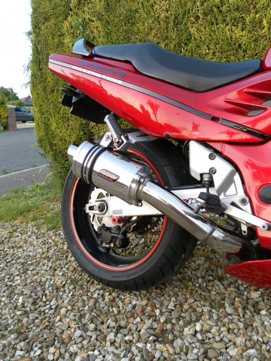 """Suzuki RF900<p>A16 Stubby Stainless Exhaust with Polished Slashcut Outlets</p><br/><a href=""""https://a16roadnracesupplies.co.uk/product/a16-suzuki-exhausts/"""">Buy now!</a>"""