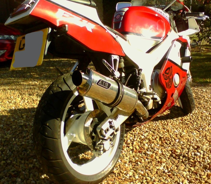 """Yamaha FZR 400<p>A16 Road Legal Stainless Exhaust with Polished Slashcut Outlet</p><br /><br /><a href=""""https://a16roadnracesupplies.co.uk/product/a16-yamaha-exhausts/"""">Buy now!</a>"""