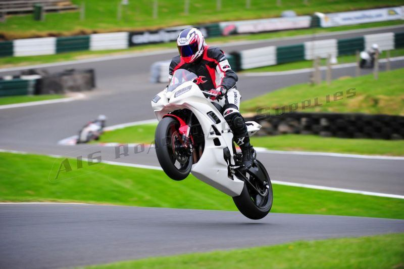 """Yamaha YZF R6 2006-2007<p>A16 Race Fairing and Seat at Cadwell Park</p><br><a href=""""https://a16roadnracesupplies.co.uk/product/a16-yamaha-exhausts/"""">Buy now!</a>"""