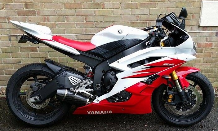 """Yamaha YZF R6 2006-2016<p>A16  Carbon Road Legal Exhaust with Carbon Cap Outlet Outlet </p><p/><br/><a href=""""https://a16roadnracesupplies.co.uk/product/a16-yamaha-exhausts/"""">Buy now!</a>"""