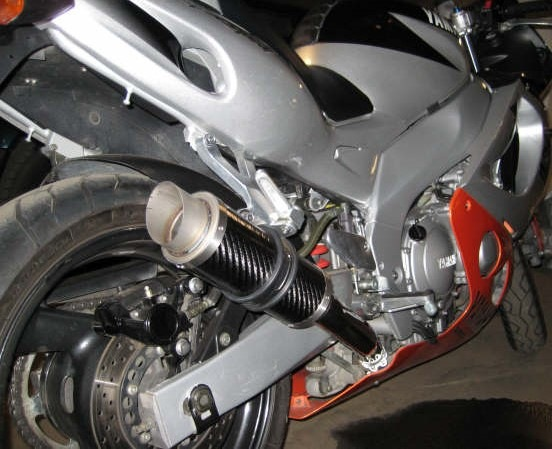 """Yamaha  YZF 600 Thundercat <p>A16 Moto GP Carbon Exhaust with Titanium Type Slashcut Outlet</p><br/><a href=""""https://a16roadnracesupplies.co.uk/product/a16-yamaha-exhausts/"""">Buy now!</a>"""