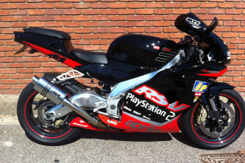 Aprilia Mille 2004 onwards<p>A16 Stainless Stubby Exhaust with Polished Slashcut Outlet</p>
