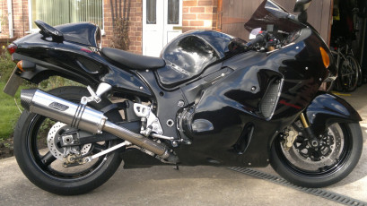 Suzuki GSX1300 Hayabusa <p>A16 Stainless Road Legal Exhaust with Carbon Cap Outlet</p>